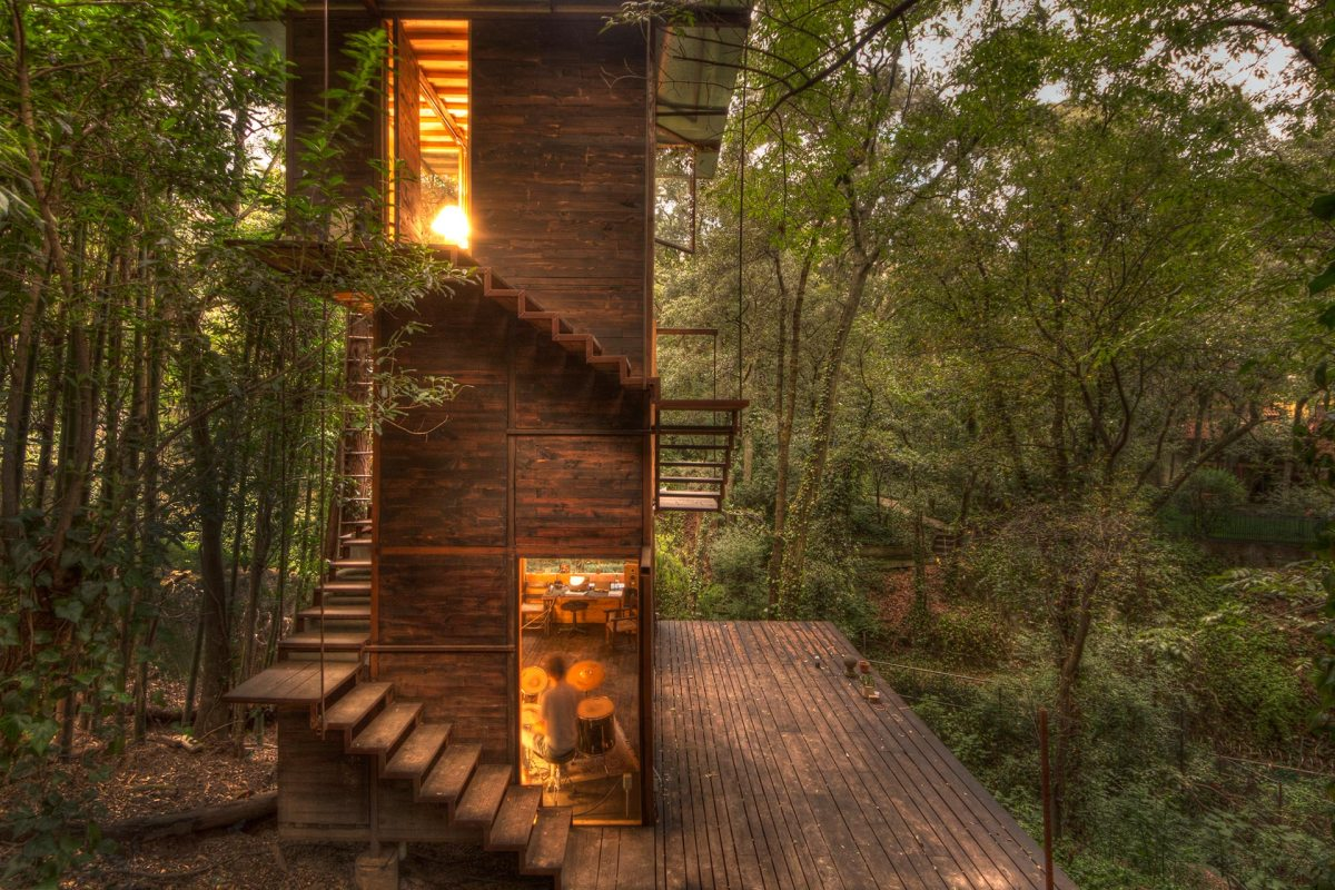 Elegant Floating Treehouse in Mexico